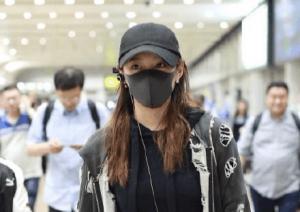 为什么明星出机场时要戴口罩?
